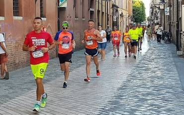 (Italiano) «Night Run», in mille sulle strade di Ravenna in una bella serata