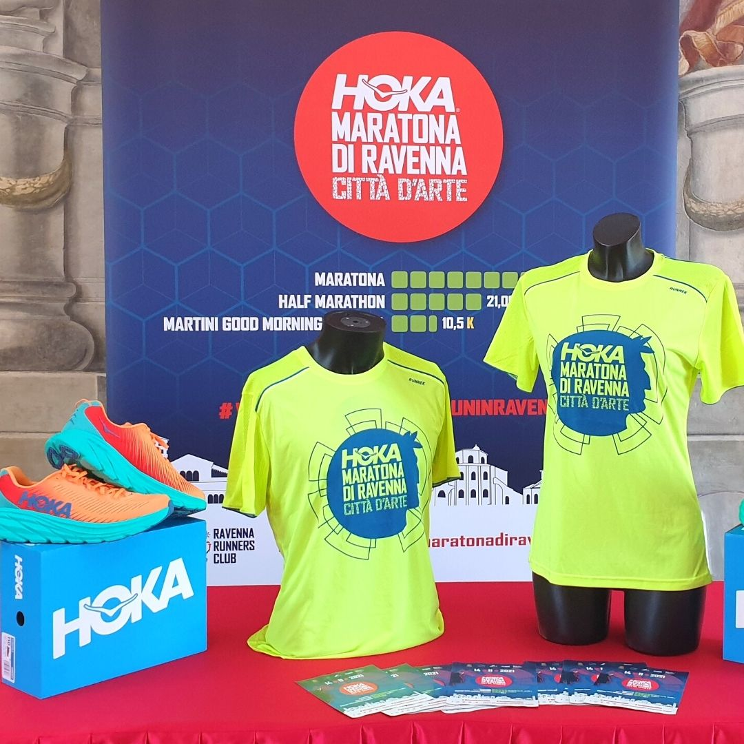 (Italiano) Presentata la nuova t-shirt 2021 per Hoka Maratona di Ravenna Città d'Arte
